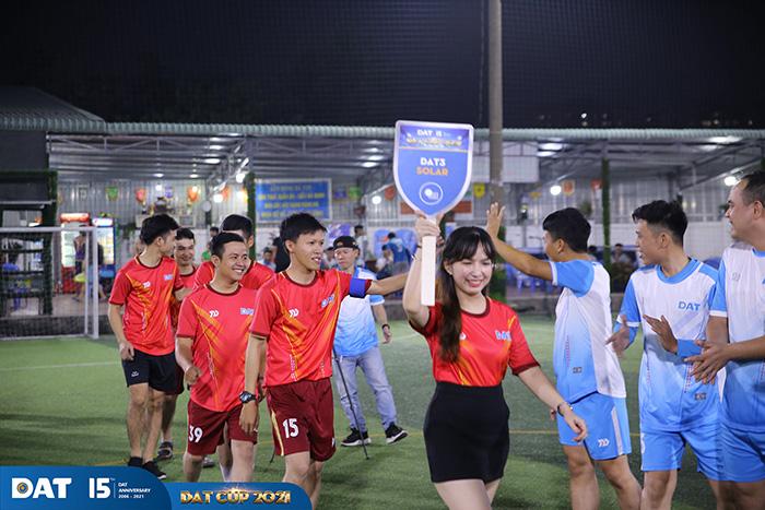 soi-dong-cuong-nhiet-cung-giai-bong-da-dat-cup-2021-h7